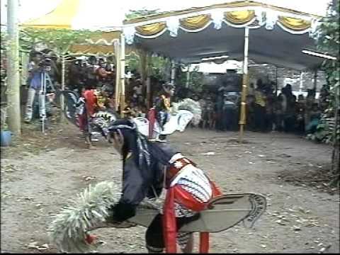 SENI JARANAN SEKAR BUDOYO MONTONG TUBAN (Pru Singo Barong VS Puja Ngganong ...