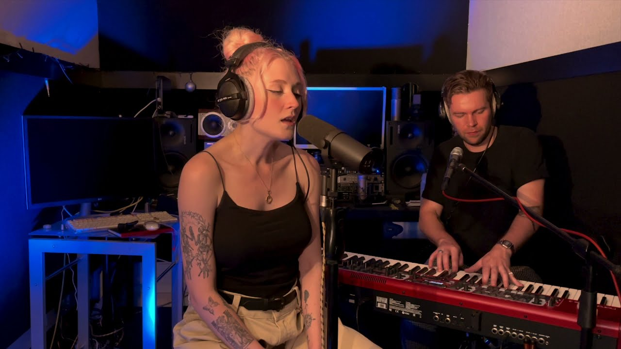 Janet Devlin - Place Called Home (Live @ HQ)