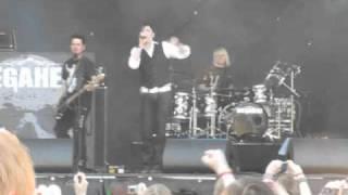 "Megaherz Feat. Louis (Staubkind) - ""5. März"" - Live @ Zita Rock 2010 (Berlin)"