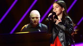 Interpretare de senzatie! Katia Carbune, o compozitie proprie la pian - My heart is breath ...