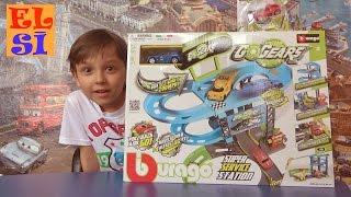 Граємо машинками розпакування іграшки 3-х поверхового треку Go gears Super Service station