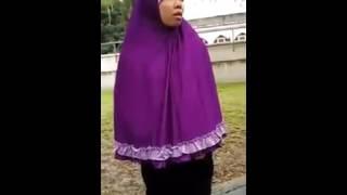 tkw bertengkar karena soal hutang jilbab vs rok mini