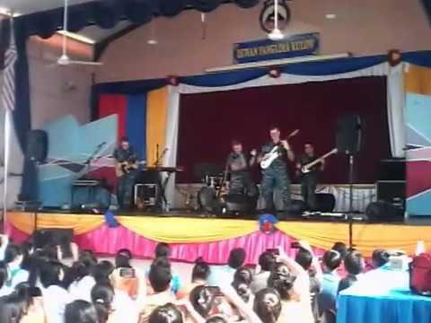 U.S Pacific Fleet Band Performs ' Assalamualaikum' Ustazah