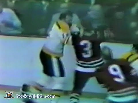 Keith Magnuson vs Wayne Cashman Jan 15, 1972