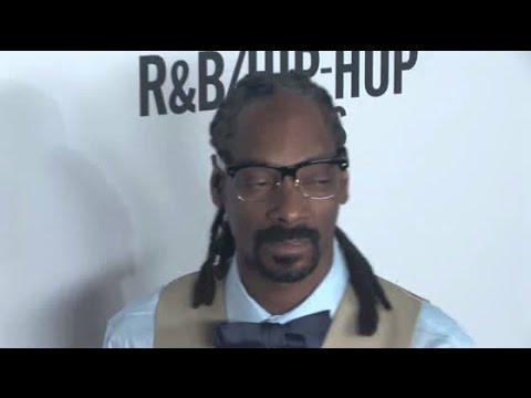 SNOOP DOGG Reveals New Gray Hair At RB Hip Hop Award Show
