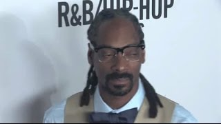 snoop dogg reveals new gray hair at rbhip hop award show