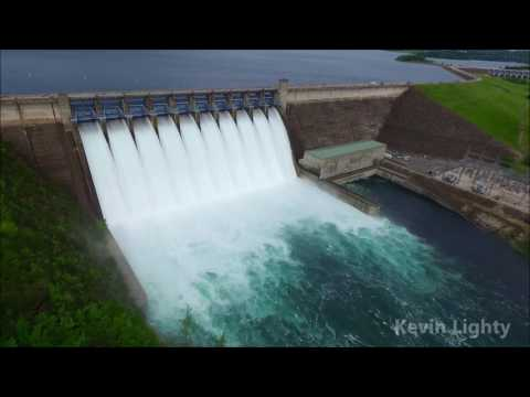 DRONE video as seen from above Table Rock Lake Dam
