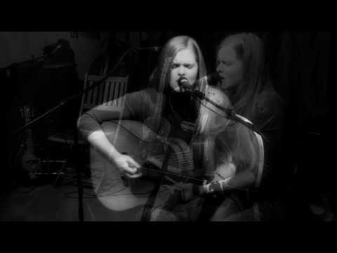 Abby Owens - I'm On Fire Springsteen cover live @ Macon Music