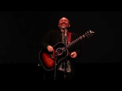 "Colin Hay performs ""Down Under"" (Men At Work) at the Santa Cruz Guitar 40th Anniversary Concert"
