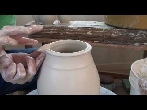 50. Throwing / Making a Porcelain Pitcher with Hsin-Chuen Lin
