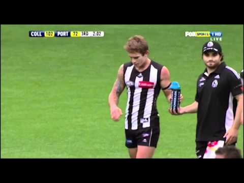 Dayne Beams kicking an amzing goal from 50