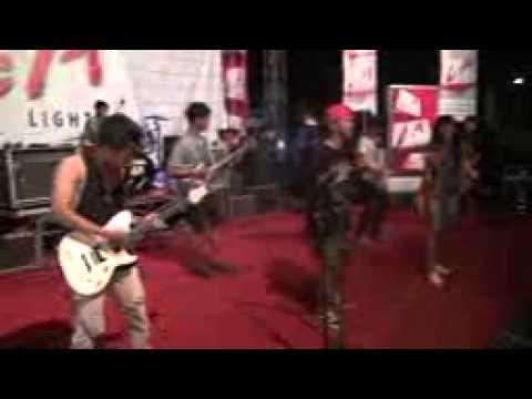 BANTENG RASTA - (cover sewu kutho DIDI KEMPOT) live at UNISKA