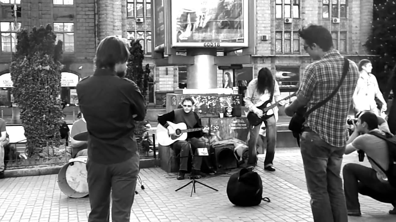 Street Musicians / Nikon Coolpix L810 Video Test 720p