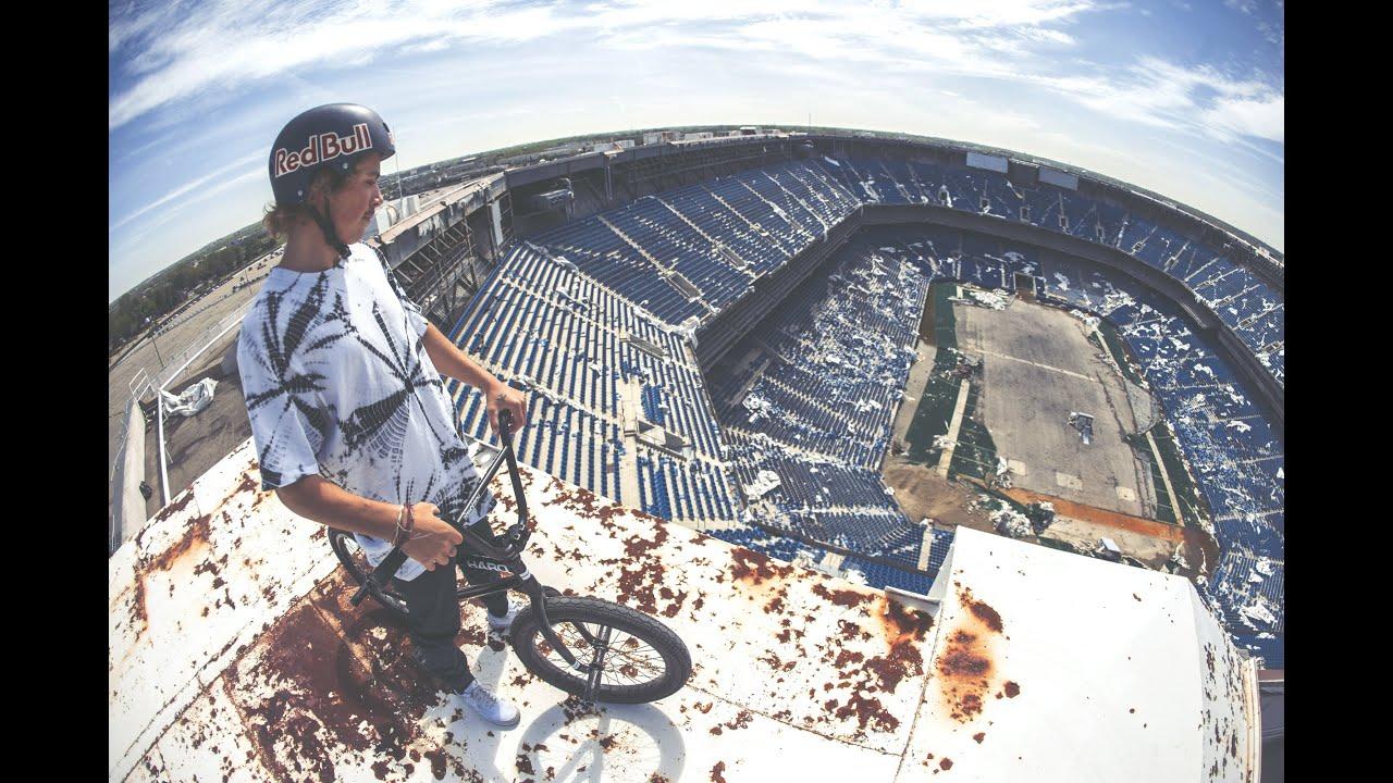 Fail! Pontiac Silverdome football stadium still standing after implosion