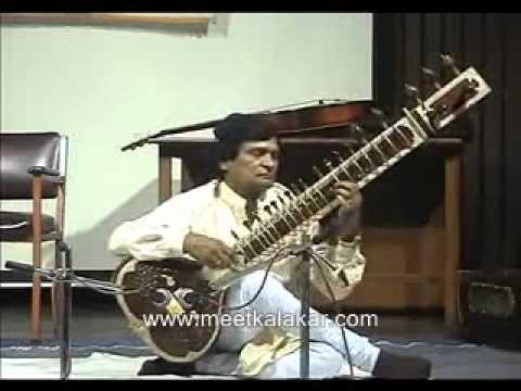 Sitar solo recital by Ustad Riyasat Khan