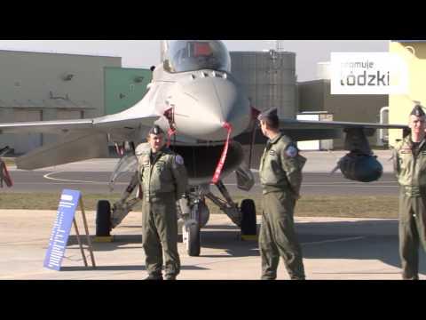 Prezydent Bronisław Komorowski w Bazie Lotnictwa w Łasku -- Województwo Łódzkie