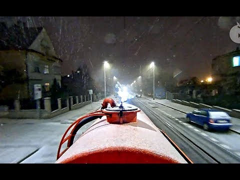 По Праге на трамвае-масленке В сумерках входила Зима Prague Winter trip by tram-oiler at twilight :)