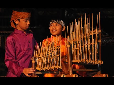 INDONESIAN NIGHT-DIA ILAY FITIA (ANGKLUNG)