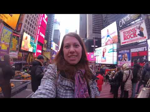 Being a Tourist in New York: Times Square & Souvenir Shopping