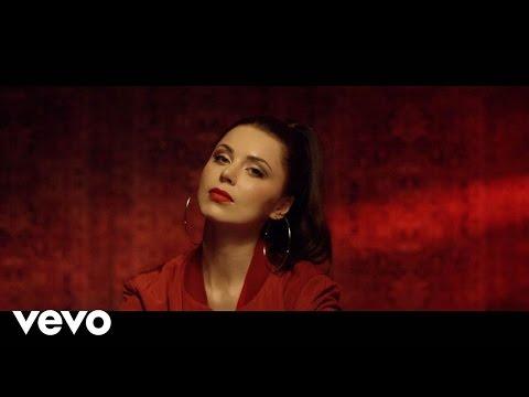 Monika Lewczuk - Biegnę ft. Antek Smykiewicz