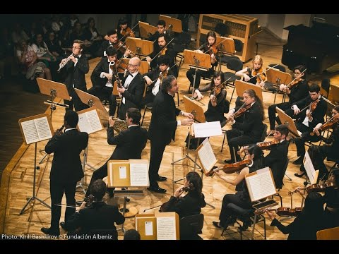 Sinfonia Concertante for Winds in E Flat Major, K297b Mozart - Juanjo Mena