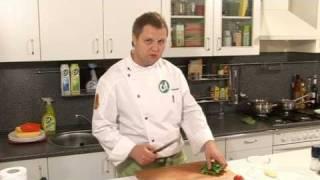 Каре ягненка с горчичным соусом - видеорецепт