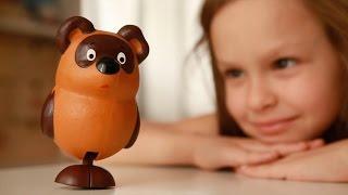 Реклама игрушки на видеоэкран в магазине.(Видео: OT-OF.RU Продакшн http://ot-of.ru/, 2014-11-26T17:58:43.000Z)
