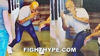 MIKE TYSON TEACHING EXPLOSIVE MOVES & COMBOS TO MMA FIGHTERS; STILL DANGEROUS AT AGE 53 Video