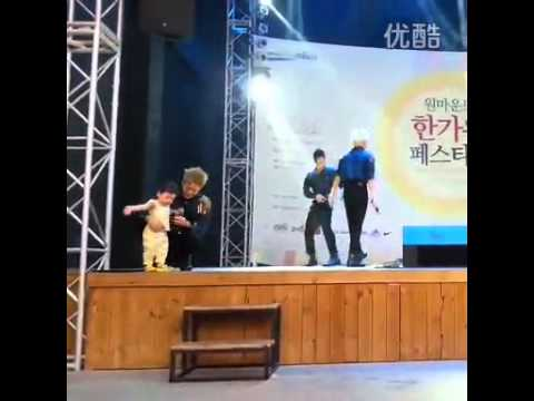 JJCC Mid-autumn Festival Simba Carrying A Child Part 2