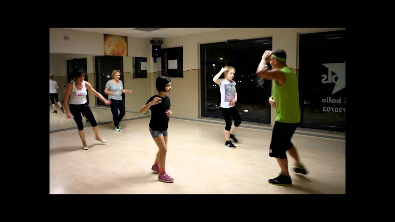 ballare zumba a casa per perdere peso