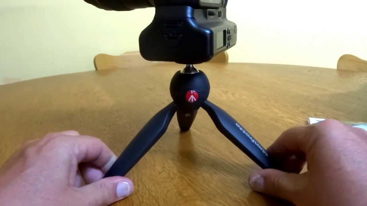 Manfrotto PIXI Mini Tripod with Handgrip for Compact System Cameras Black