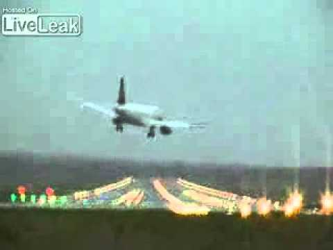Scary Landing Attempt through strong crosswinds at Airport (Hamburg).