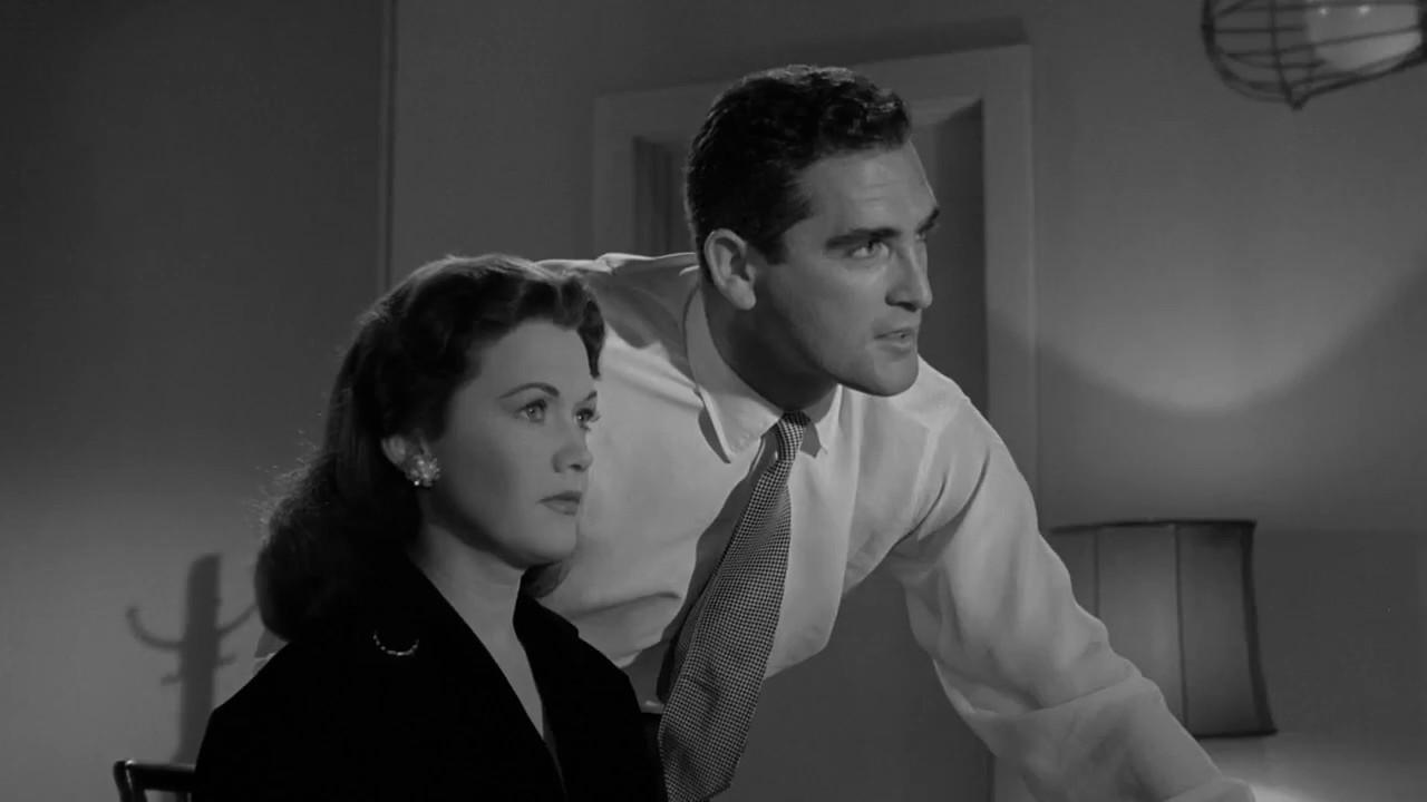 the hypnotic eye  1960  - dressing room hypnosis scene