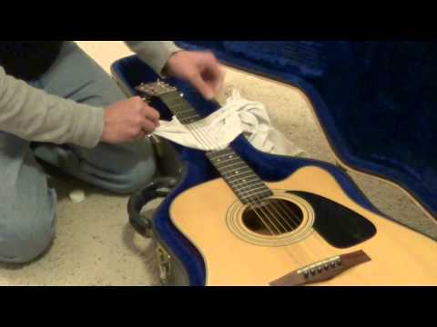 Acoustic Guitar String Cleaning