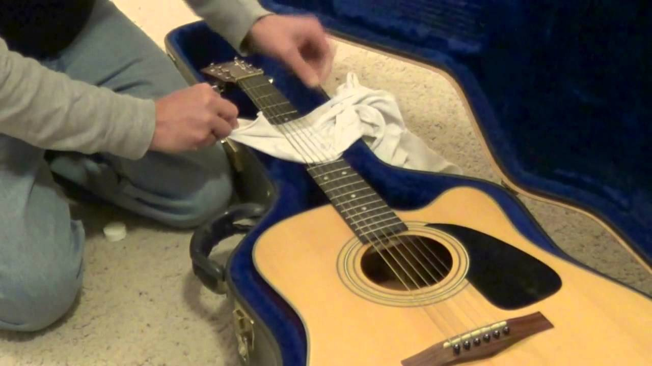 Acoustic Guitar String Cleaning - YouTube