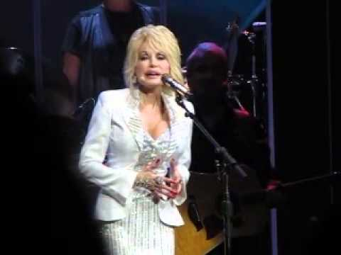 Dolly Parton 'Banks of the Ohio' ~ Blue Smoke Tour, Live in Adelaide