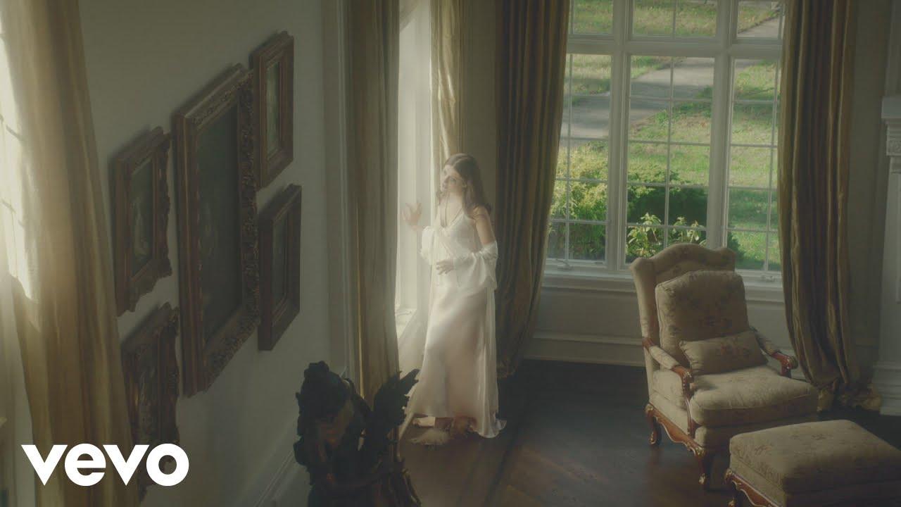 Elle Winter - Sad Girl Heaven (Official Video)