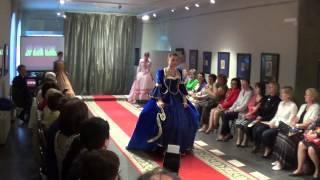 Театр истории костюма дефиле