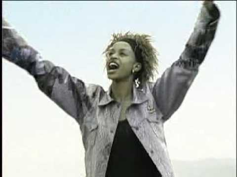 Esther Wahome - Yahwe