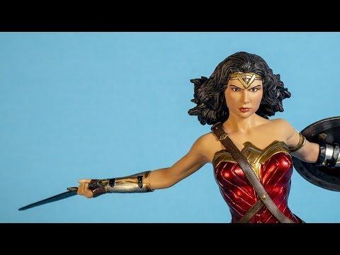 Wonder Woman Gal Gadot Statue Review (Diamond Select Toys)