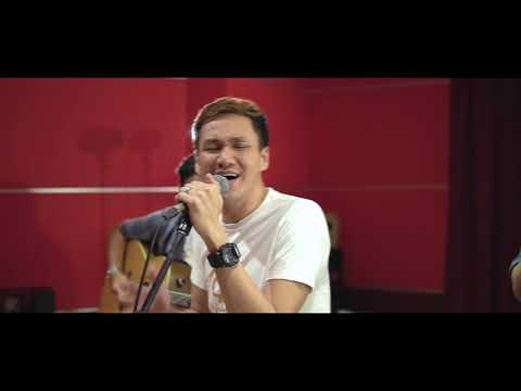 Rendy Faliq - Berpulang (Live Acoustic)