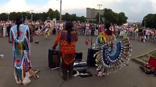 Этнические танцы у ВВЦ