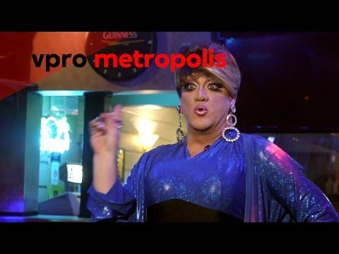 Office worker transforms into Drag Queen in Ohio - vpro Metr