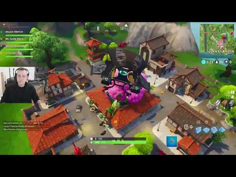 ROMAN GETS HIS FIRST VICTORY ROYALE ON FORTNITE! twitch.tv/romanatwood