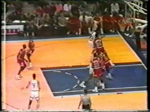 Kenny Walker Poster on Perdue and Putback Dunk vs. Bulls