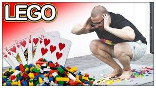 Lego Steine vs Fuß