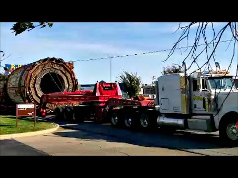 Oversize Load Moving Through Decatur Illinois