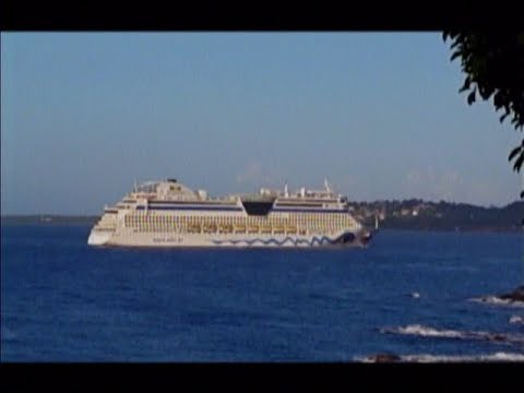Miscommunication Delayed The Docking Of A Cruise Ship At - Cruise ship delayed