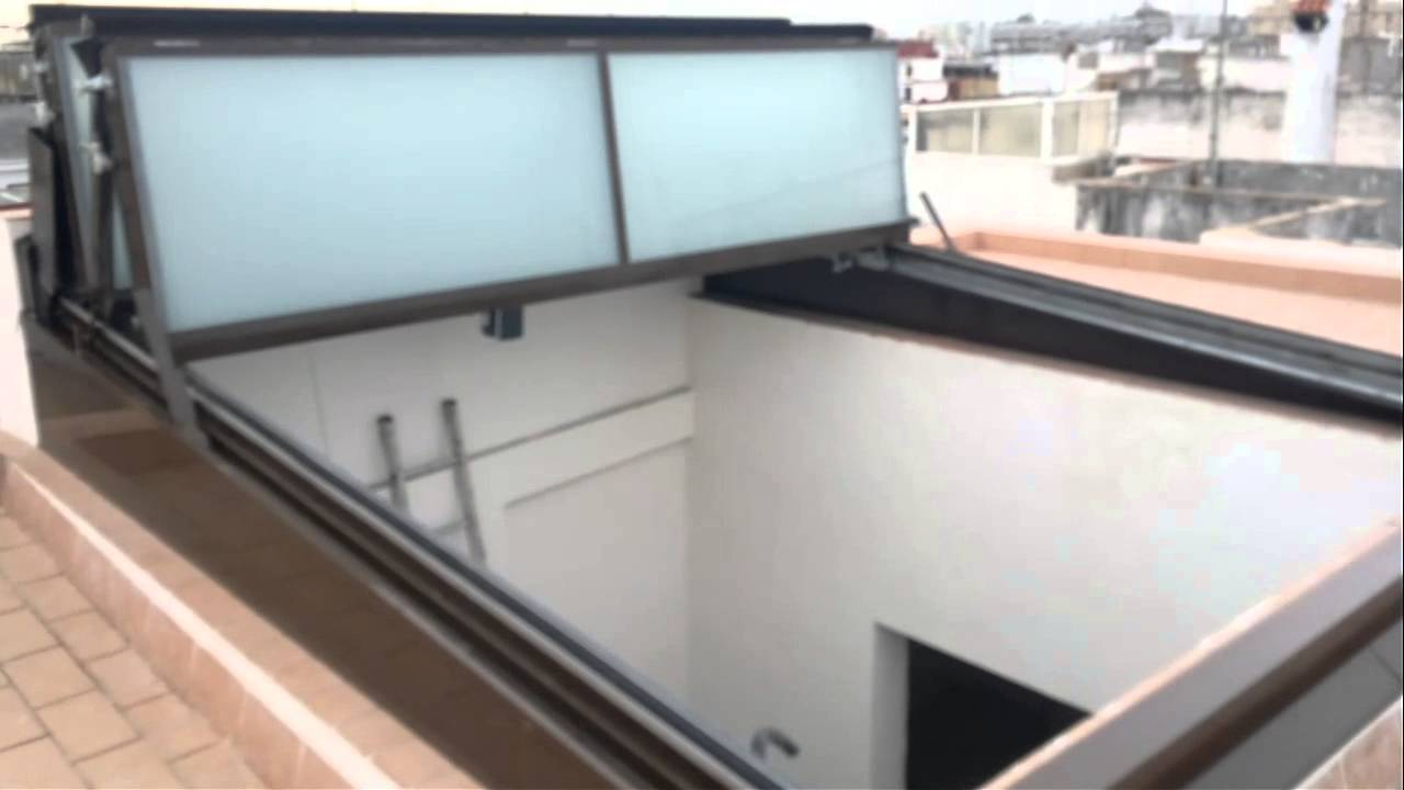 Cubierta plegable motorizada youtube for Muebles para terrazas cubiertas