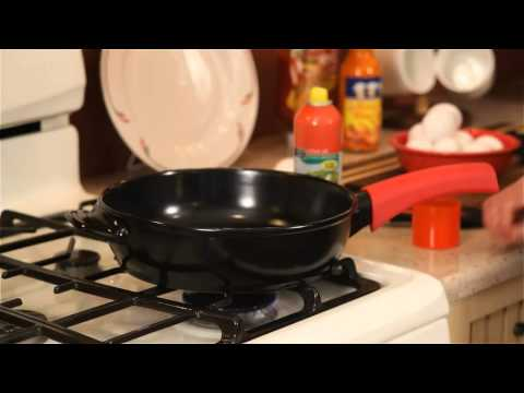 Cooking Eggs in the Xtrema 100% All Ceramic Skillet